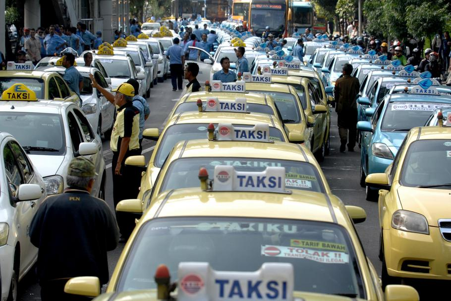 Taxi Drivers Demonstrate In Jakarta