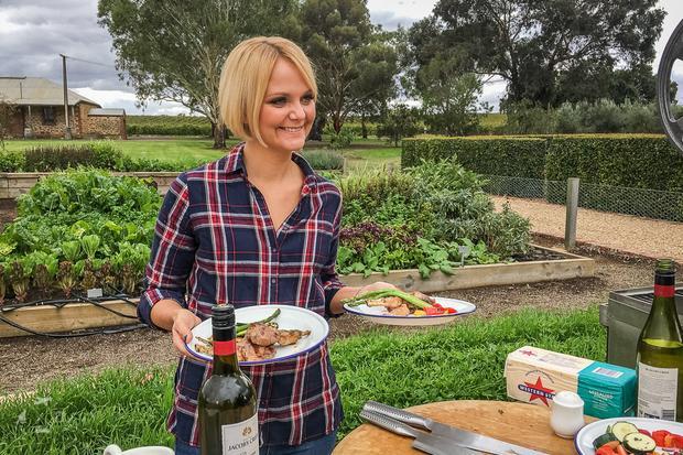 Julia w winicach Jacobs Creek podczas gotowania z Mateuszem Gesslerem