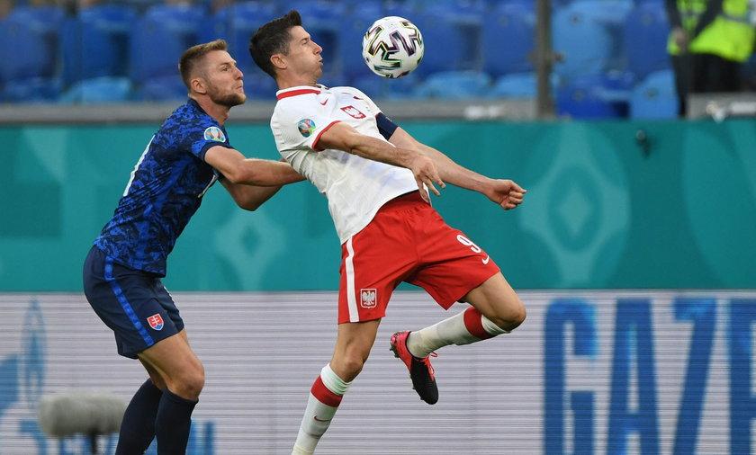 Zdaniem szwedzkich mediów Robert Lewandowski nie miał odpowiedniego wsparcia od kolegów z drużyny