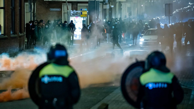 Zamieszki w Holandii