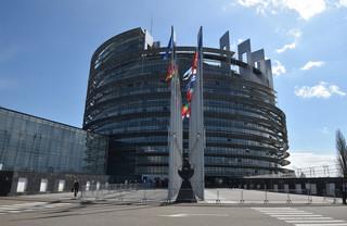 PE przyjął rezolucję o Polsce: Paraliż TK zagraża demokracji