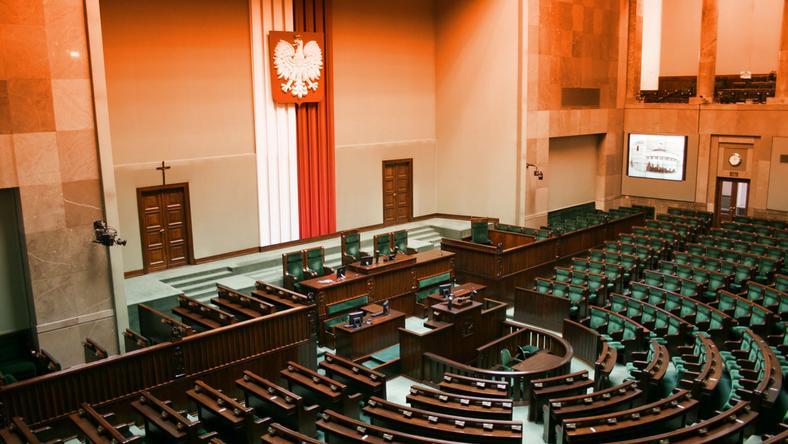 Sondaż dla DoRzeczy.pl: ogromna przewaga PiS