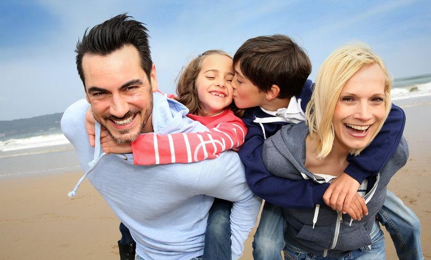 Rodzinny Kapitał Opiekuńczy ma być pomocą dla rodziców w pierwszych latach po porodzie bez względu na to, ile zarabiają.