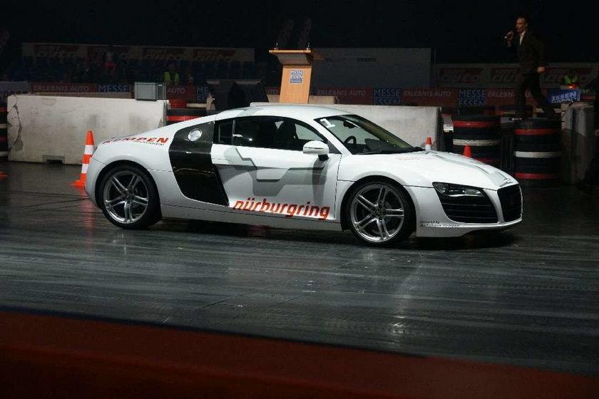 Essen Motor Show 2009: gorące dziewczyny i szybkie maszyny
