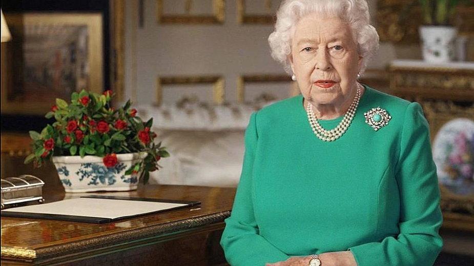 Świat czeka na oświadczenie Pałacu Buckingham w związku z informacjami, które padły w wywiadzie udzielonym przez księcia Harry'ego i Meghan Markle