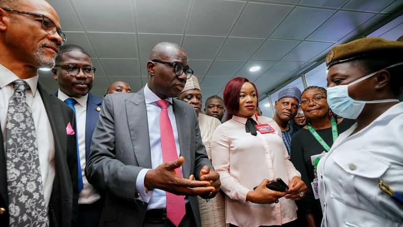 Governor Babajide Sanwo-Olu paid a visit to the Murtala Muhammed International Airport to assess  screening of inbound passengers for Coronavirus. [Twitter/@jidesanwoolu]