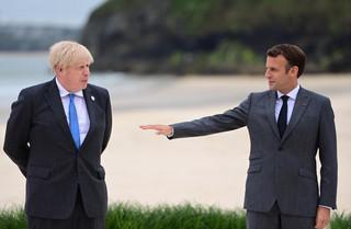 Dyplomatyczny zgrzyt między Johnsonem a Macronem w kwestii statusu Irlandii Płn.