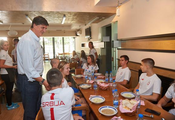 Žarko Zečević sa mladim olimpijcima