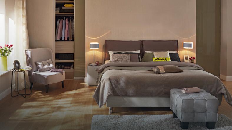 Doskonały sen, ucieczka przed trudami dnia, romantyczne spotkanie – w twojej sypialni jest miejsce na wszystko! Wystarczy, że dobrze ją wyposażysz.