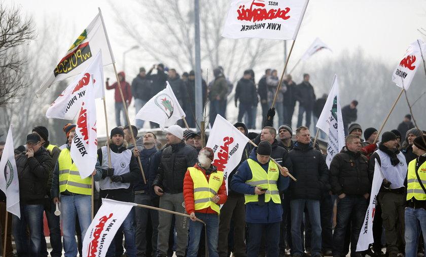 Protest pod JSW