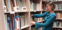 To nasza biblioteka. Podarowaliśmy do niej książki