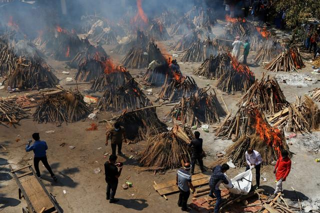 Kremacija u Nju Delhiju, Indija