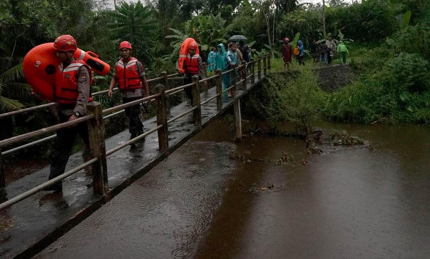 Fala powodziowa na Jawie w Indonezji