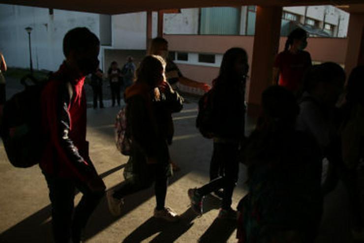 Škola učenici đaci 05-foto-S-PASALIC-374x250