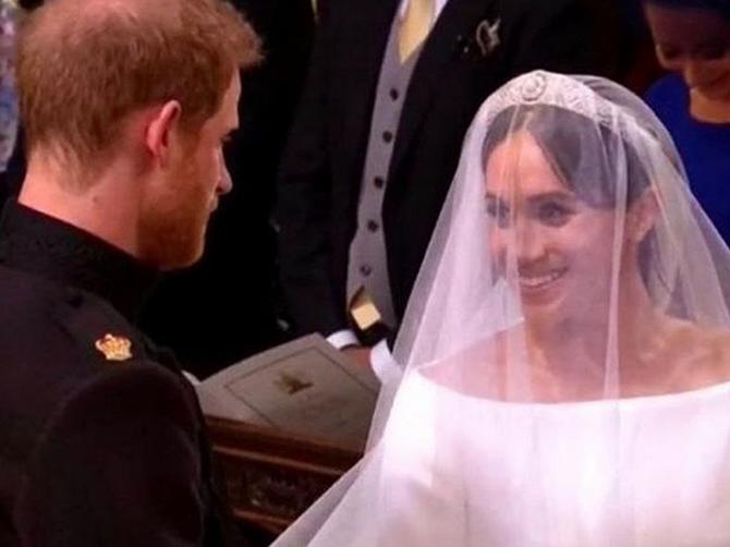 Kada je Hari prvi put video Megan u venčanici ŠAPNUO JOJ JE OVE 2 REČENICE: Bićete OBLIVENI SUZAMA kada ih čujete