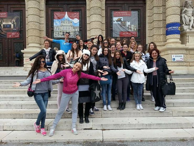 604382_maturanti--ekskurzija-bec-foto-slobodan-jerkovicpreview