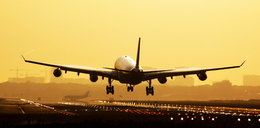 Co się stanie, gdy wszyscy pasażerowie samolotu podskoczą w jednej chwili? Wynik zaskakuje