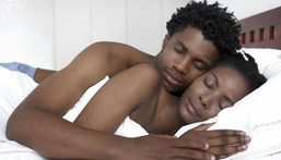 5 reasons why sleeping naked must be a routine
