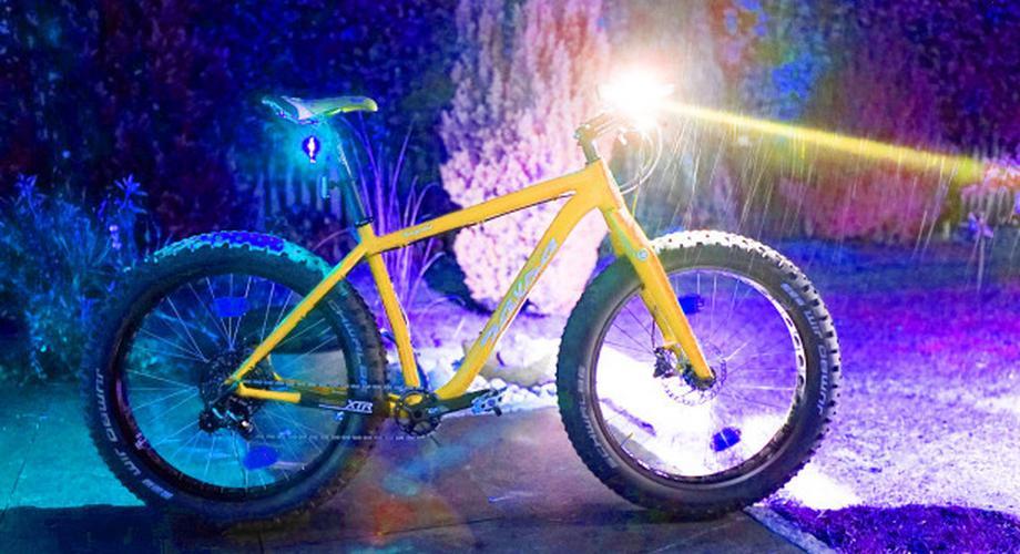Licht, Alarm & Heizhandschuhe: Herbst-Gadgets für das Fahrrad