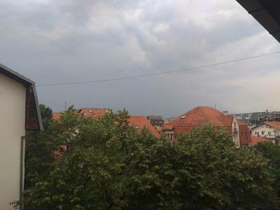 Crni oblaci nadvili su se i nad Beogradom