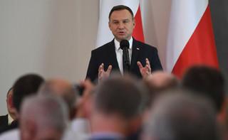Dera: Prezydent Andrzej Duda skłania się ku systemowi prezydenckiemu