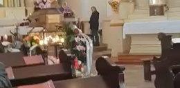 Podczas pogrzebu zwróciła uwagę na brak maseczek, wszystko nagrała. Wyrzucono ją