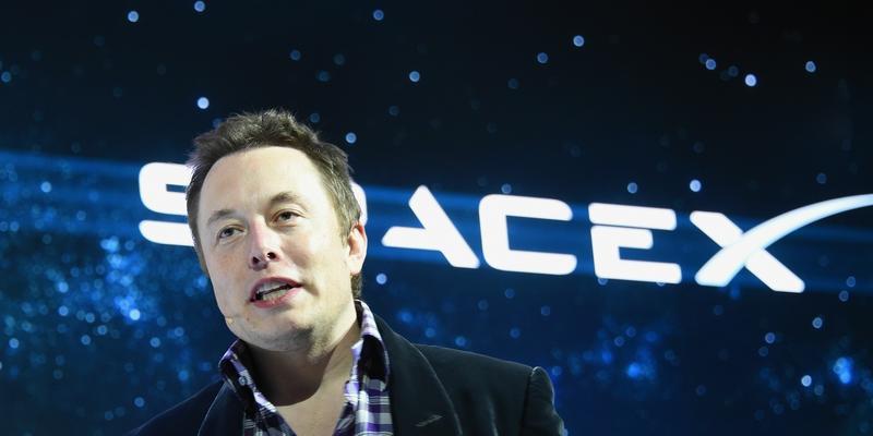 Elon Musk ostrzega: Sztuczna Inteligencja to największe zagrożenie w historii