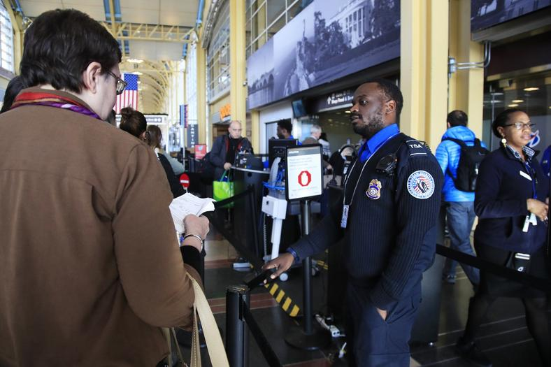 TSA agent airport government shutdown - resized