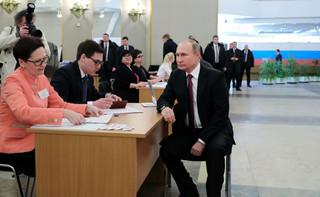 Jak się w Rosji zapewnia dobre wyniki wyborcze władzy