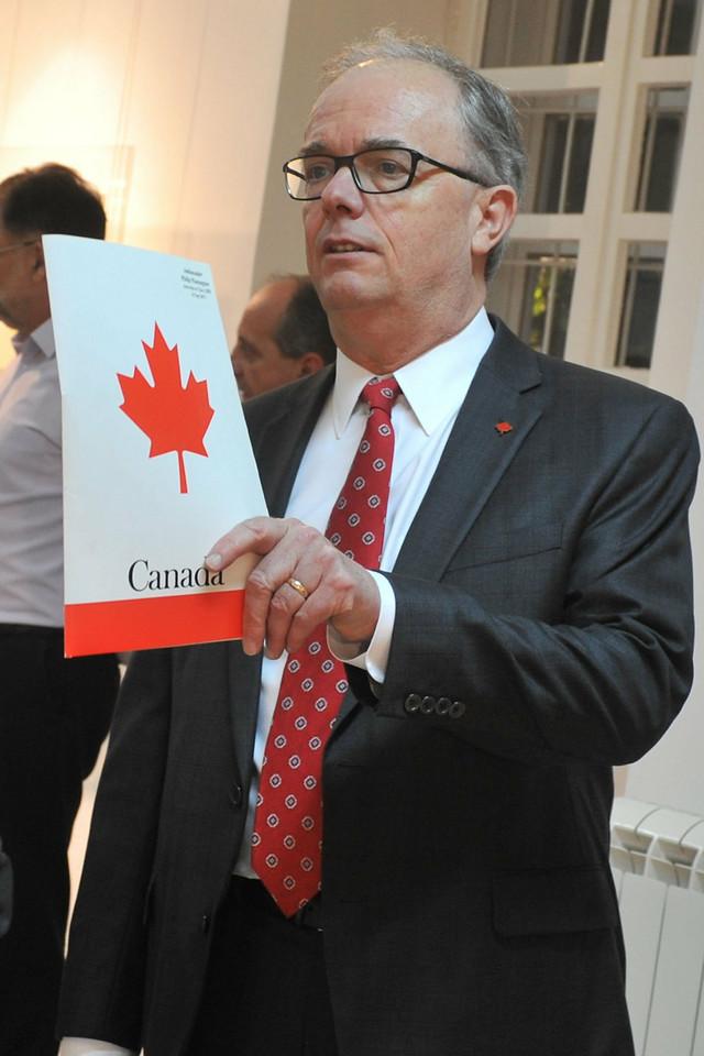 Imao čast da otvori izložbu: Kanadski ambasador Filip Pimington
