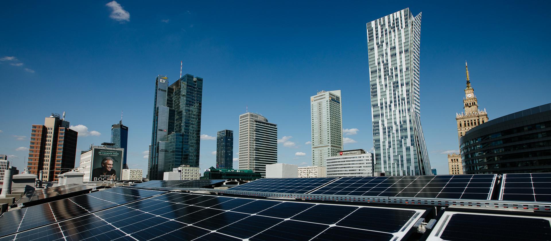 Zielone elektrownie na dachach budynków w miastach. To rzeczywistość, nie przyszłość