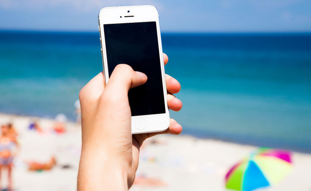 Przebywający na hiszpańskich plażach lub kąpiący się w morzu turyści jednak nie będą musieli zakładać maseczek