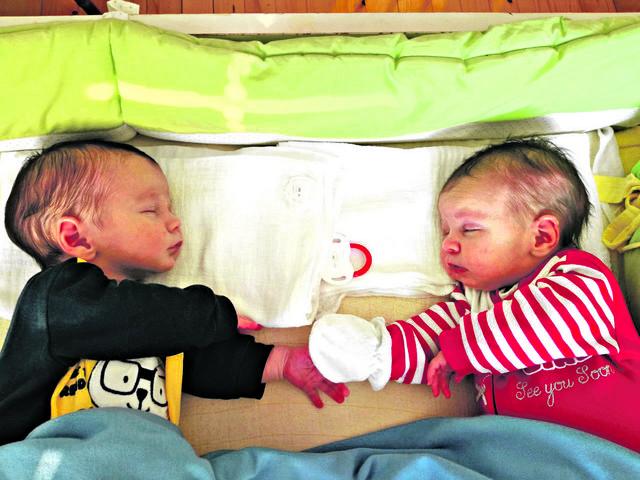 Angelija i David su na porođaju bili teški 7.200 kilograma