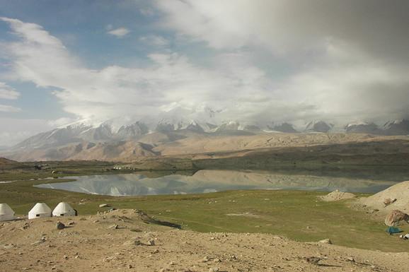 Jezero Karakul u Tadžikistanu