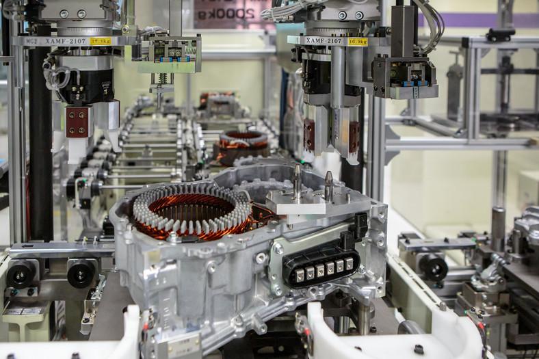 Toyota Motors Manufacturing Poland. Linia produkcyjna nowych, hybrydowych skrzyń biegów