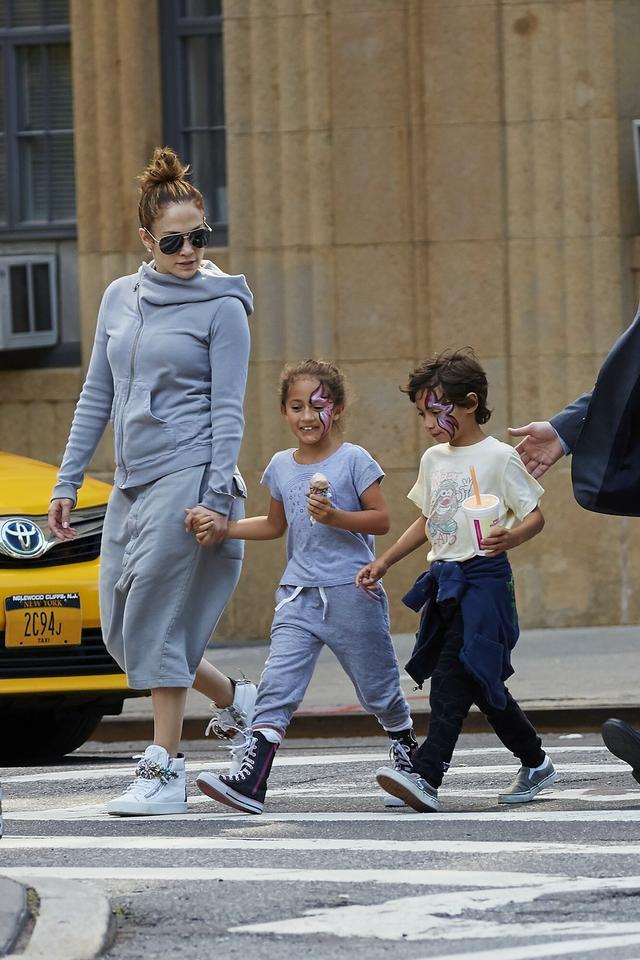 Jennifer Lopez z bliźniakami