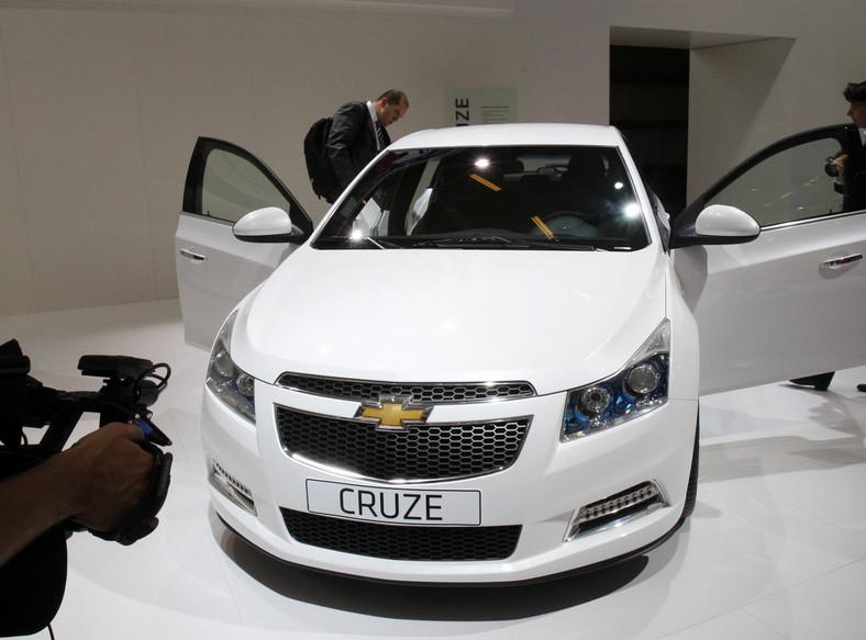 Produkcyjny cruze hatchback zadebiutuje w Genewie