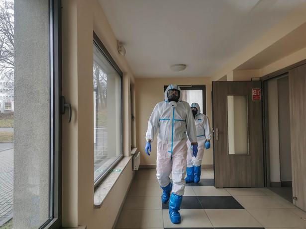 To pierwszy potwierdzony przypadek zakażenia w Poznaniu i w regionie od powrotu uczniów klas I-III szkół podstawowych do nauki stacjonarnej.