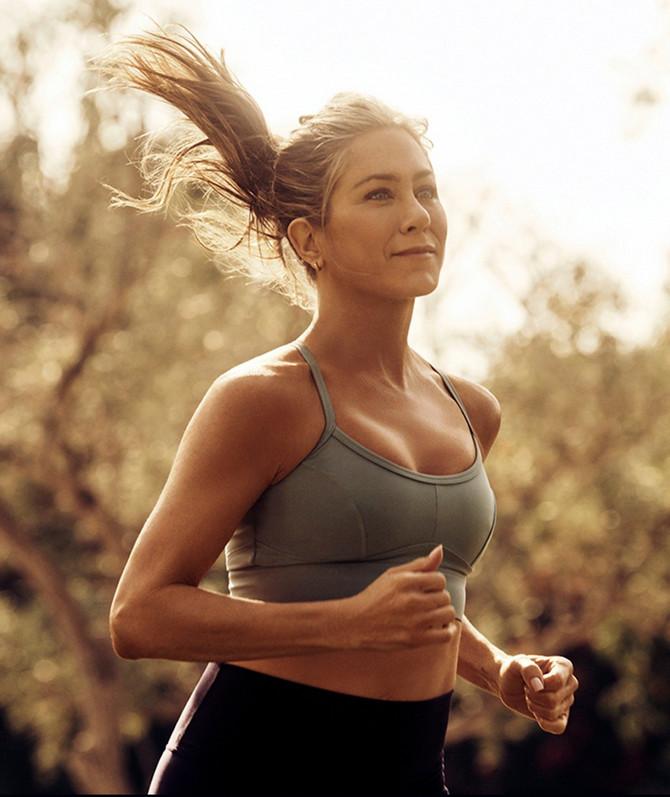Dženifer Aniston u sportskom izdanju