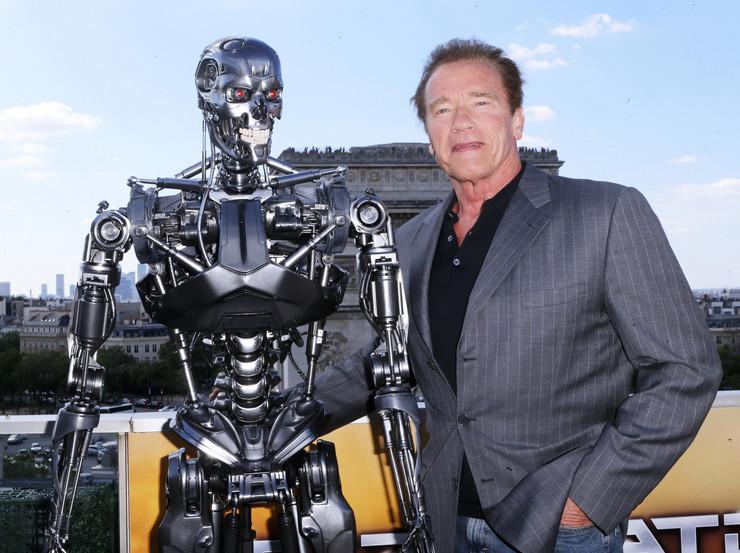 Švarceneger je u Parizu promovisao peti deo serijala Terminator