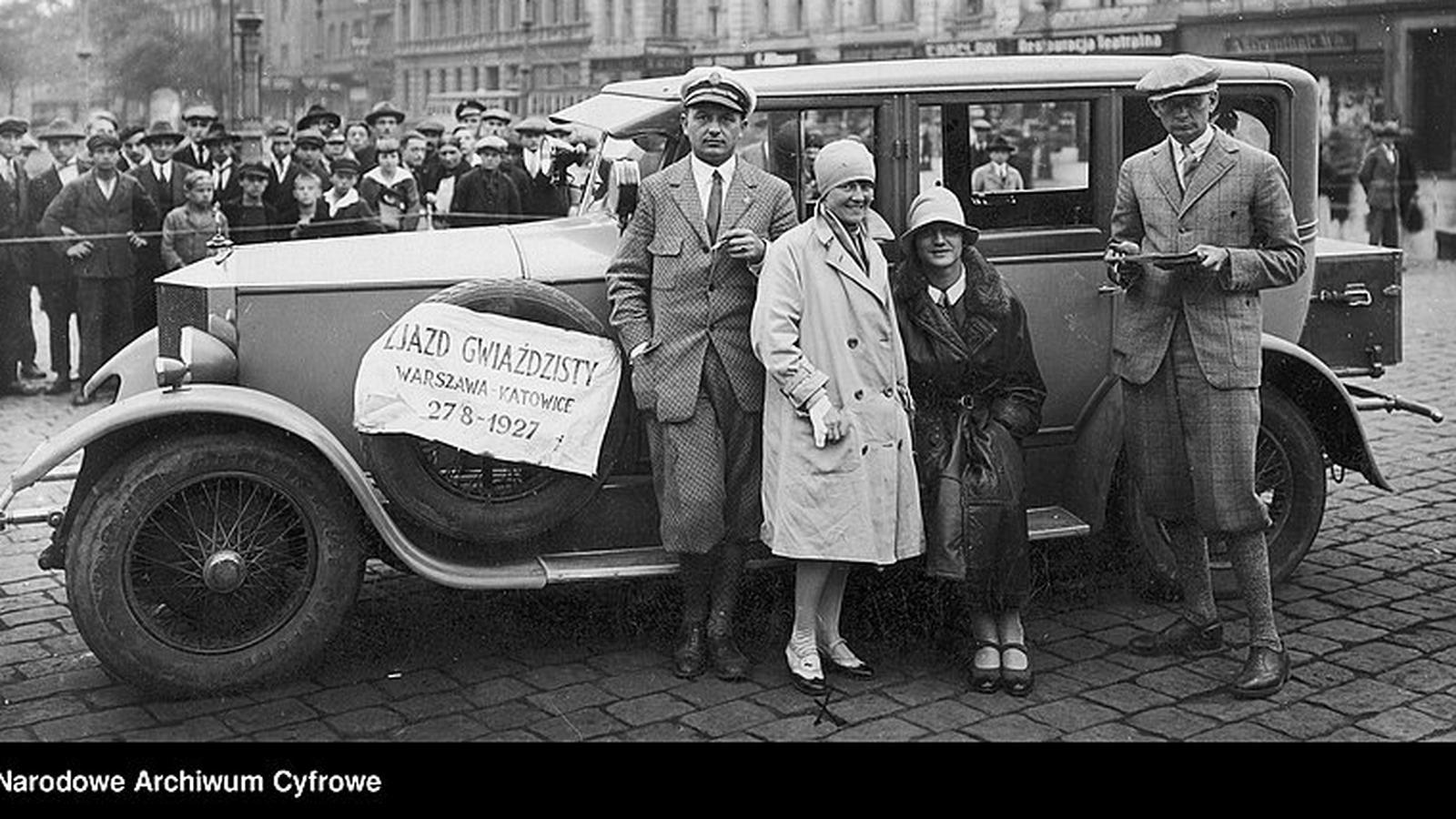 """Rajdy samochodowe kobiet w II RP. """"Aby wygrać, musiały przepędzać bydło z drogi"""""""