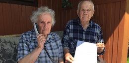 Uważaj emerycie! Tak naciągają na drogi telefon