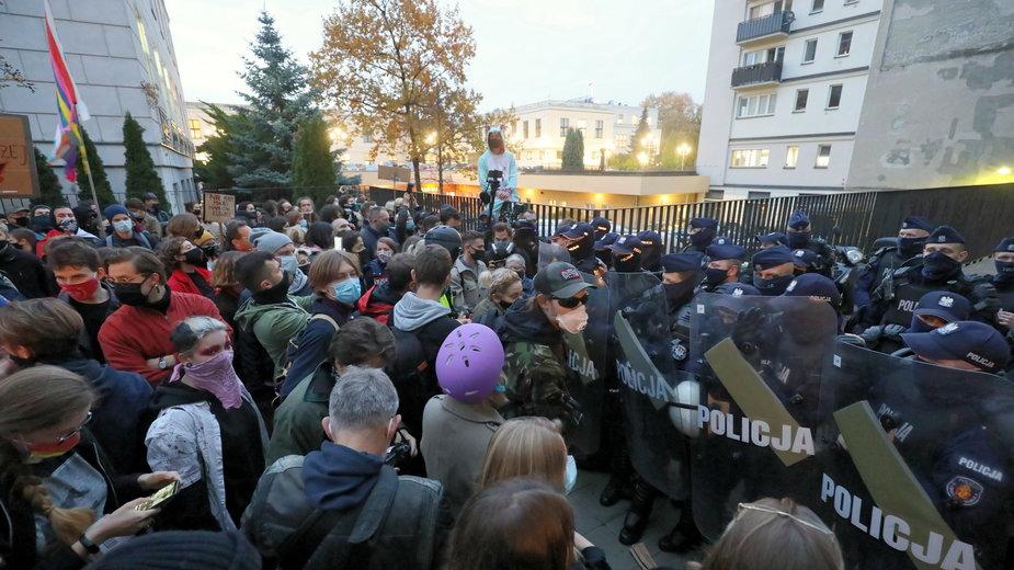 Strajk Kobiet. Minął kolejny już dzień protestów przeciwko decyzji Trybunału Konstytucyjnego w sprawie aborcji