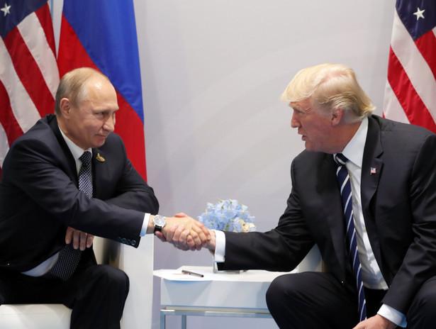 Rozmowy prezydentów Rosji i USA odbyły się na marginesie szczytu G20 w Hamburgu.