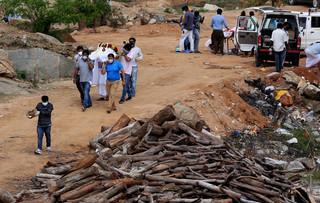 Sytuacja pandemiczna w Indiach: Fala nie opadnie aż do lipca