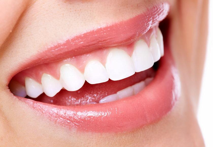 Płukanie moczem jamy ustnej