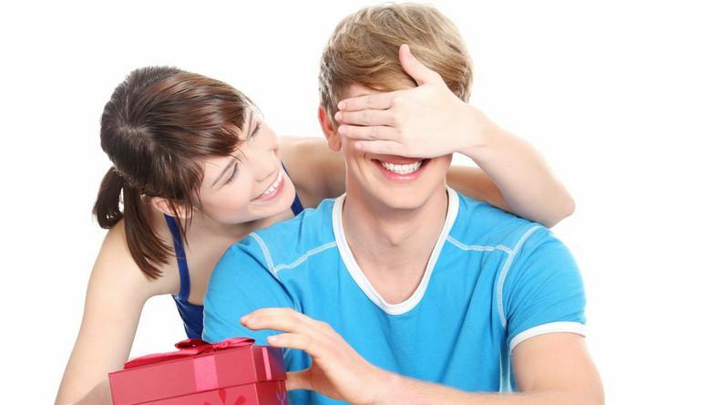 Nawet najszczerzej podarowany prezent nie zawsze wzbudza entuzjazm w tym, kto go otrzymał