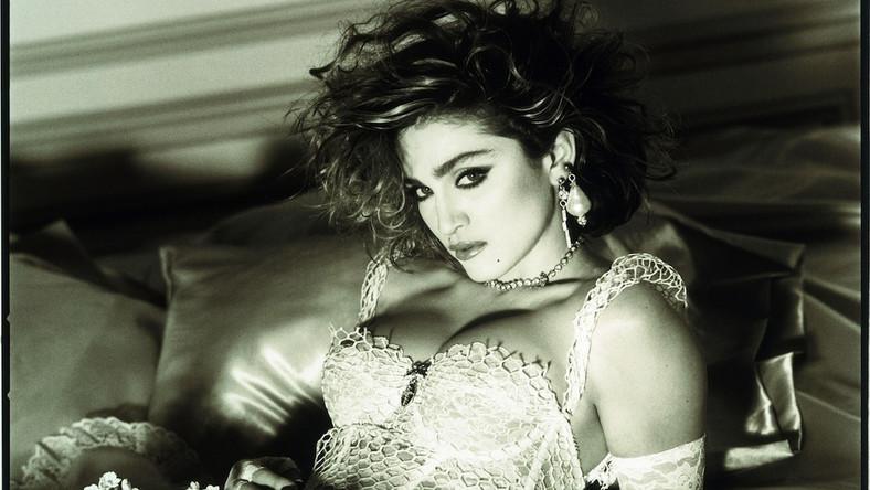 Jej kariera trwa nieprzerwanie od prawie 30 lat, w czasie których sprzedała ponad 150 milionów swoich albumów