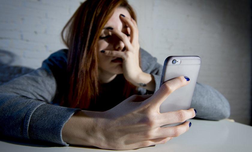 Nie daj się nabrać na sfałszowane SMS-y