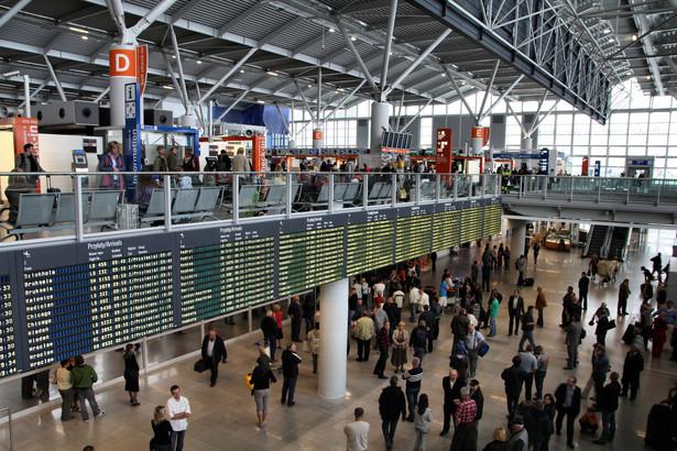 Lotnisko Chopina i tak będzie wymagać rozbudowy, zanim powstanie CPL.